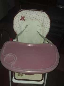 Vendo silla de bebe plegable. Buen estado!!!
