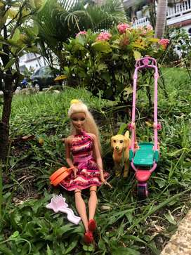 Barbie con perro taffy
