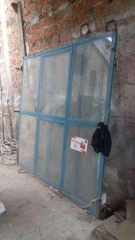 Se vende 2 puerta