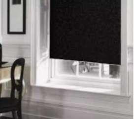 Blackout color negro. Ya