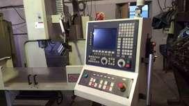 Fresadora a CNC. Marca TRAVIS. Modelo M-5