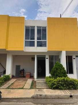 Vendo Hermosa casa de dos pisos, ubicada en el conjunto cerrado girasoles en V. del rosario, cerca a quintas tamarindo
