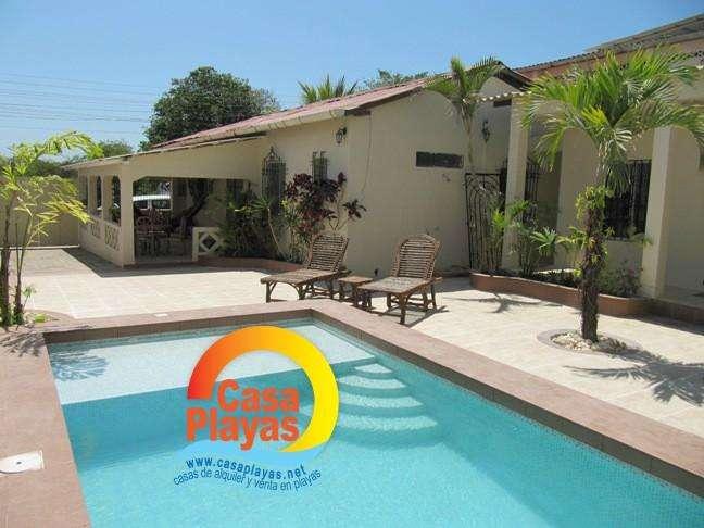Alquiler de Casa con Piscina en Playas Villamil, Sector Humboldt, 19 personas