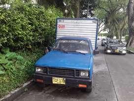 Venpermuto Camioneta Chevrolet Luv con furgón