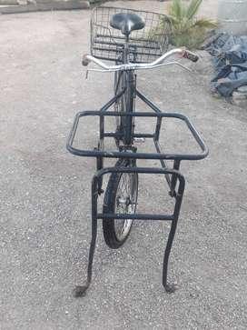Bicicleta de reparto ideal para cafe helados ect