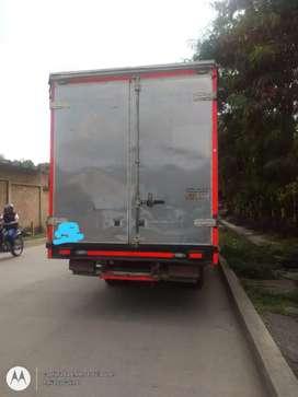 Camión 2.8 ton con trabajo