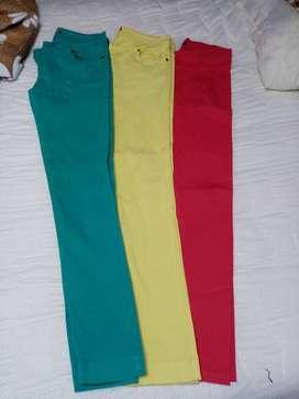 3 pantalones en algodon. Made in Italy Tg. 12
