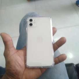 Iphone 11 de 64gb pocentaje de la bateria 88 tiene su caja y cargador forro trasparente