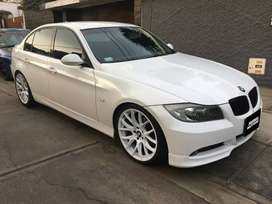 # 225 BMW 320i