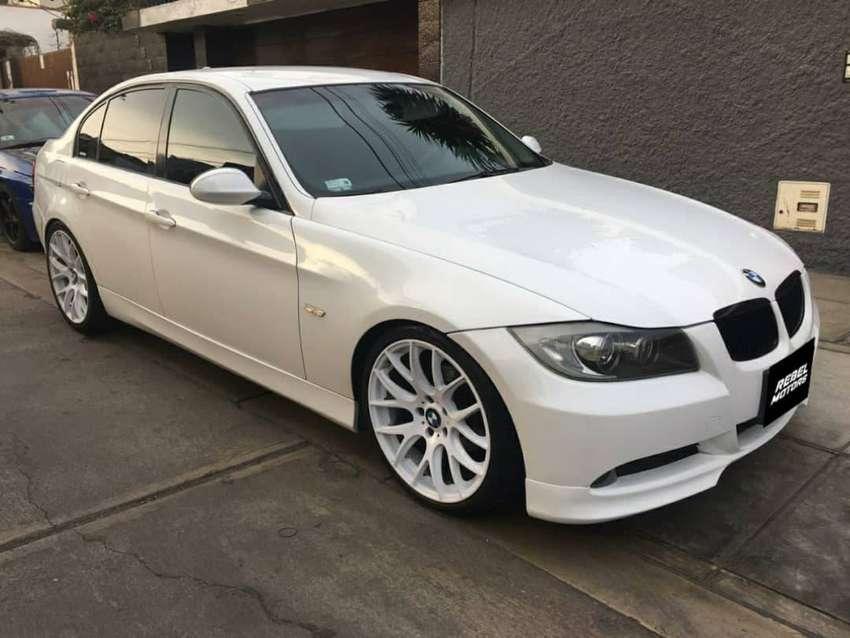 # 225 BMW 320i 0