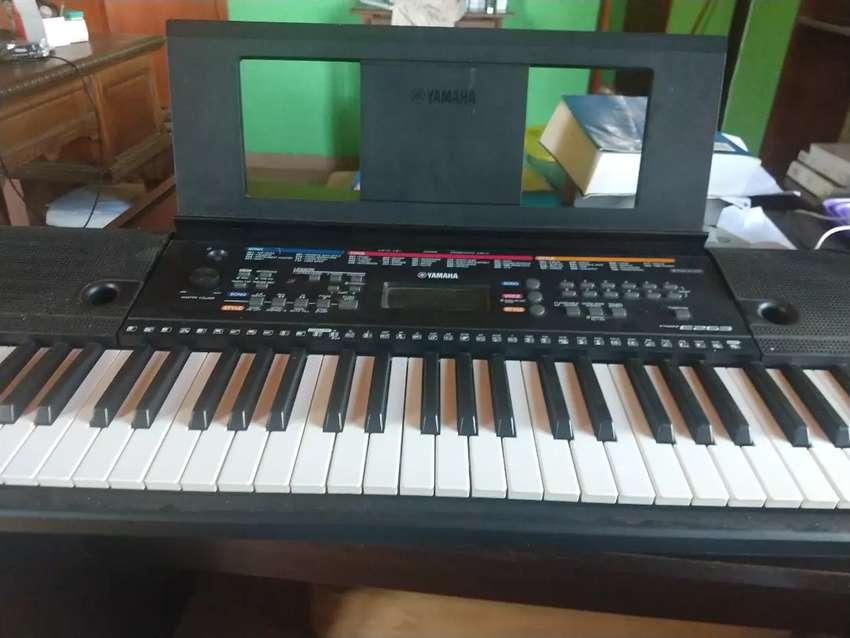 Clases de teclado y voz