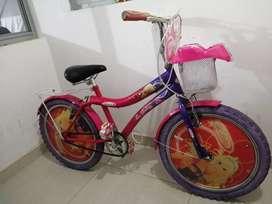 Vendo bicicleta playera para niña
