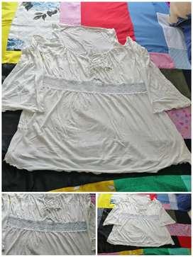 Blusa blanca mangas y encaje L