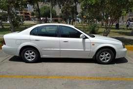 Daewo magnus color blanco  año 2006 , automático , motor 2000, 4puertas a glp', 115000 de kilometraje( precio a tratar)