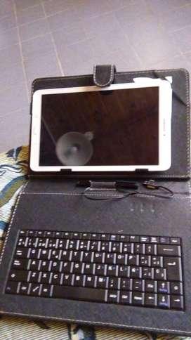 Vendo tablet Samsung Tab E10 con funda y teclado