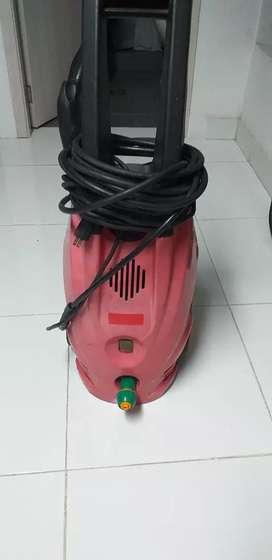 Hodrolavadora marca RUN de 2000 psi