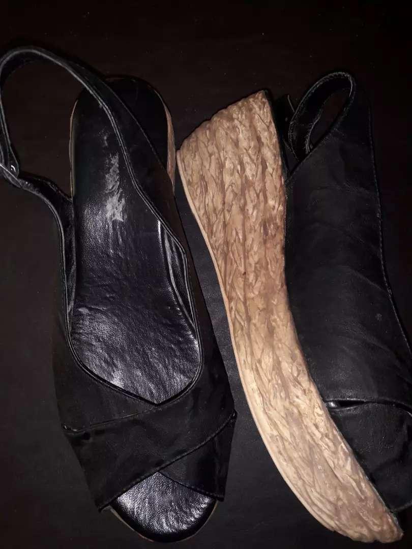 Sandalias casi sin uso 0