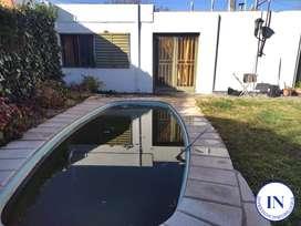 Vendo casa con patio con pileta y quincho en San Luis Capital