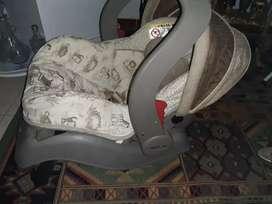 Cargador y silla de carro para bebe