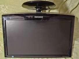 Vendo con monitor Samsung hermosa.