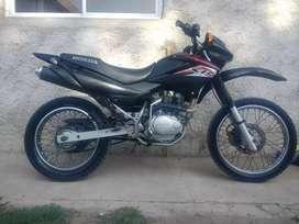 Tengo mi moto y 20 busco auto o moto más grande..