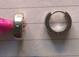 Argollas de acero, como son varios modelos distintos, son de distinto precio, no dudes en consultarme