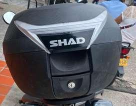 Shad version carbono con espaldar 34 litros