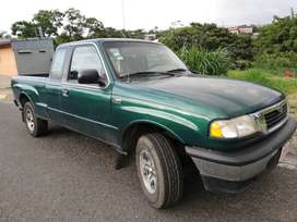 Pick Up Mazda B2500 año 2000 extracabina manual 4x2