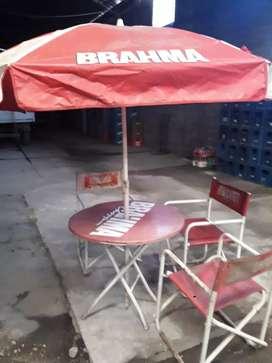 Liquido primera oferta razonable,mesas sillas y sombrillas para bar