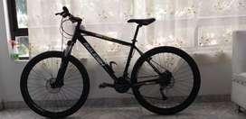 Se vende bicicleta, rin 27.5, shimano altus