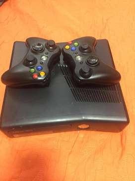 Xbox 360 slim en exelente estado