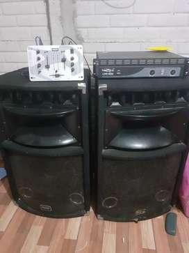 Bafles Jahro , amplificador 400watts y consola de mezcla