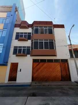 Casa en Venta 4 pisos TACNA