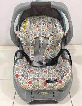 Asiento de bebe para auto marca Graco