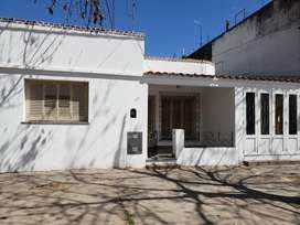 Alquiler casa en Villa Constitución 2 dormitorios.