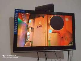 Vendo TV y monitor de 22 pulgadas haci como se ve e. Las fotos