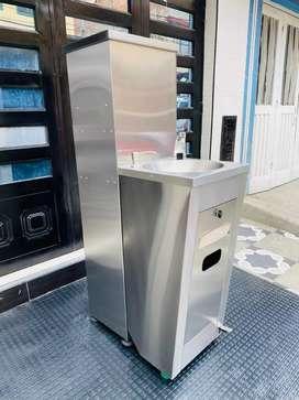 Fabricacion de lavamanos quirúrgicos en acero inoxidable segunda mano  La Igualdad II Sector