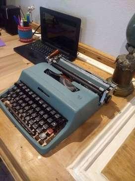 Maquina De Escribir Olivetti Lettera Con Estuche