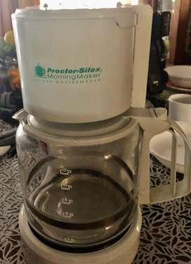 Cafetera blanca