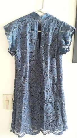 Vestido Azul. Zara. Corto