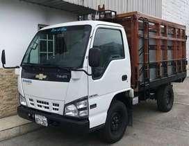 Se alquila camión de 2 toneladas para fletes y mudanzas
