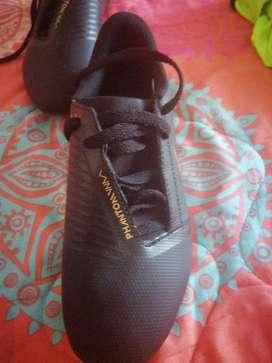 Vendo guayos Nike para niño