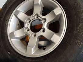 cubierta Bridgestone para Frontier