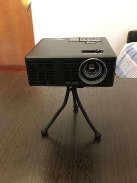 Mini Proyector LED Optoma ML550 con pantalla 100 pulgadas de regalo