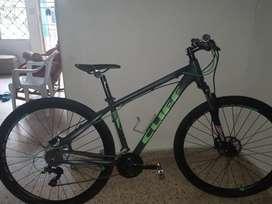 Bicileta nueva , cliff garantizada rin 29 talla M grupo shimano hidraulico