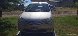 Vendo Toyota Etios XS 2015