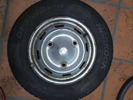 Neumático + Llanta Hankook 175 70 R13 82t Optimo K715 / R12