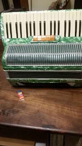 Vendo acordeon maestropiano de 120 bajos
