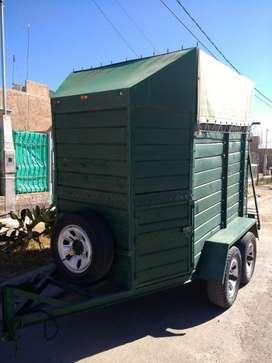 Vendo trailer para caballos doble eje