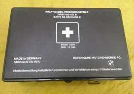 Botiquin primero auxilio  bmw  m3  e36 aleman original completo